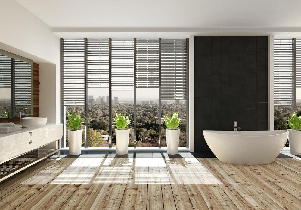 Stijlvolle raamdecoratie in de badkamer verhuisadvies